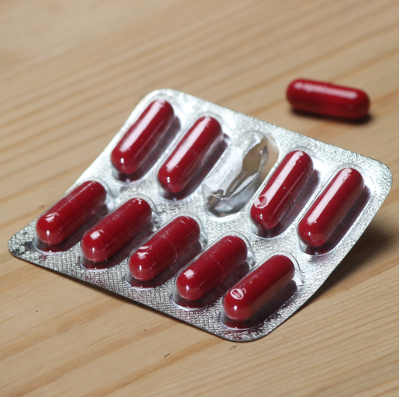 images/antibiotico-resistenza/antibiotics_1500x1492.png